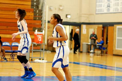 7-0 start is strong for girls' basketball