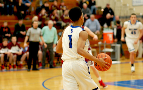 Boys' basketball confronts OPRF