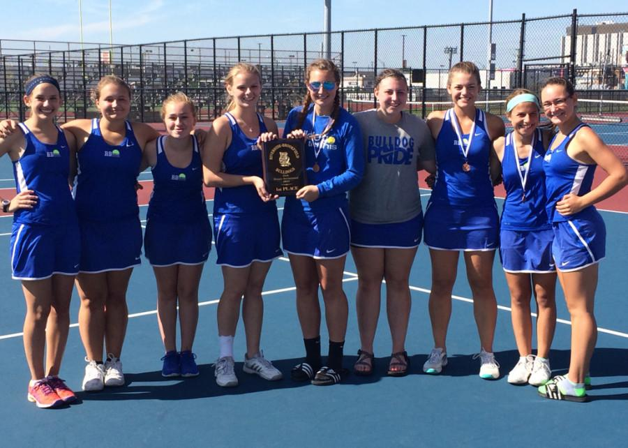 RBHS+Girls+Varsity+Tennis+team+posing+with+their+first+place+trophy