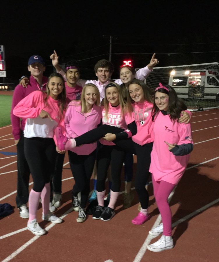 Students+on+Oct.+14+wearing+pink+to+show+their+school+spirit