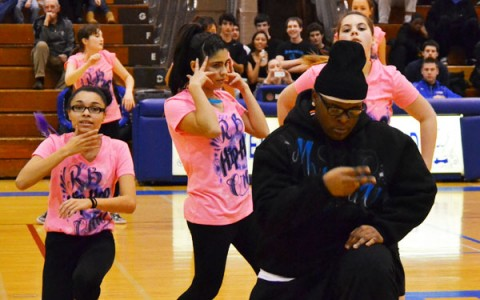 During-game entertainment brightens RB basketball