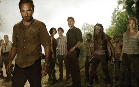 """""""Walking Dead"""" midseason finale whets appetite for more"""