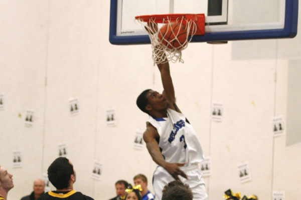 Eric Loury throwing down, en route to the win over Elmwood Park