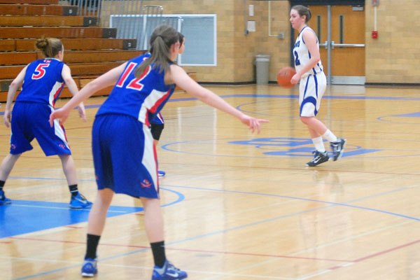 Hannah Claywell helped guide the girls' basketball team to their victory over Glenbard South.