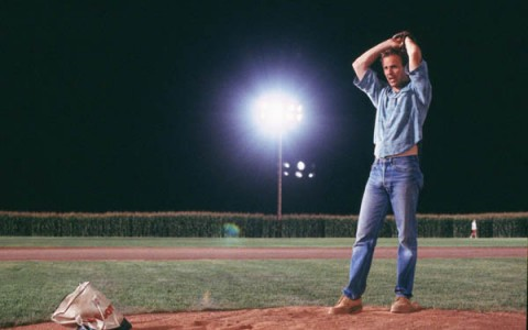 Kevin Costner showing off his pitching arm in 1989's