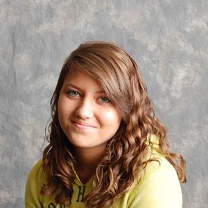 Photo of Sarah Munoz