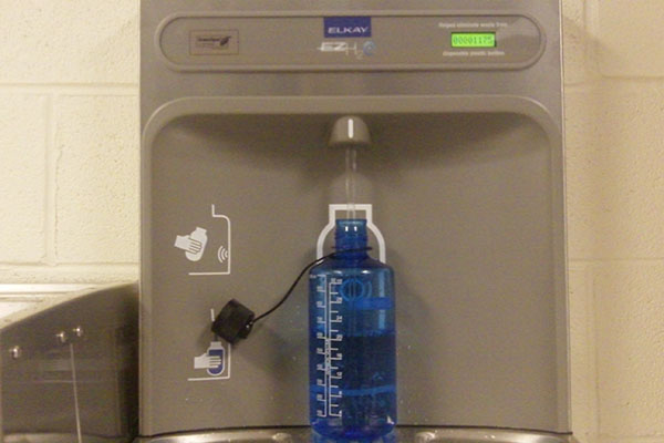 New bottle-filling drinking stations help students stay hydrated while also helping the planet.