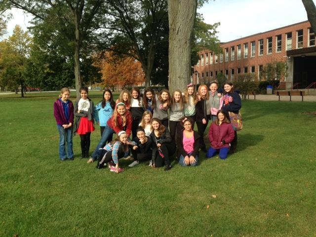 Hauser+Jr.+High+choir+students+pose+outside+RB+before+attending+the+festival.+