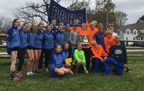 The RBHS boys and girls cross country team (courtesy of Emma Forberg)