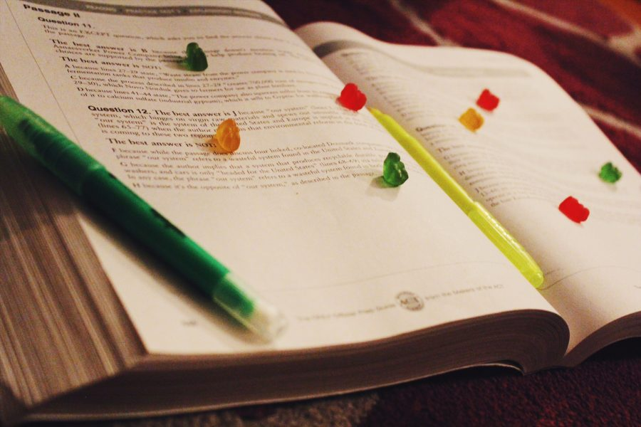 Gummy+bears+placed+on+textbook