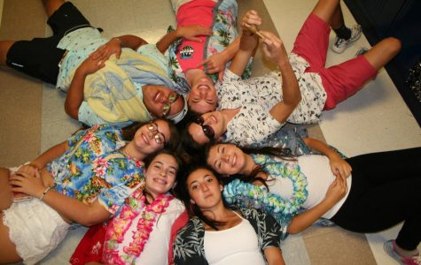 Photo Recap: Spirit week Tropical Tuesday
