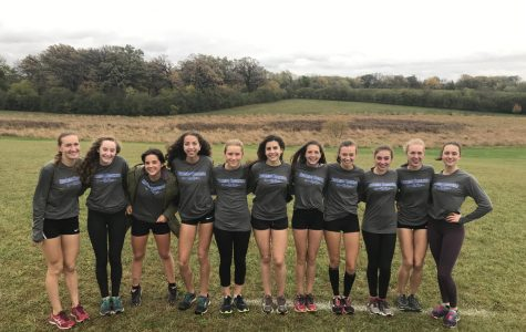 Girls Cross Country takes a team photo before Sectionals