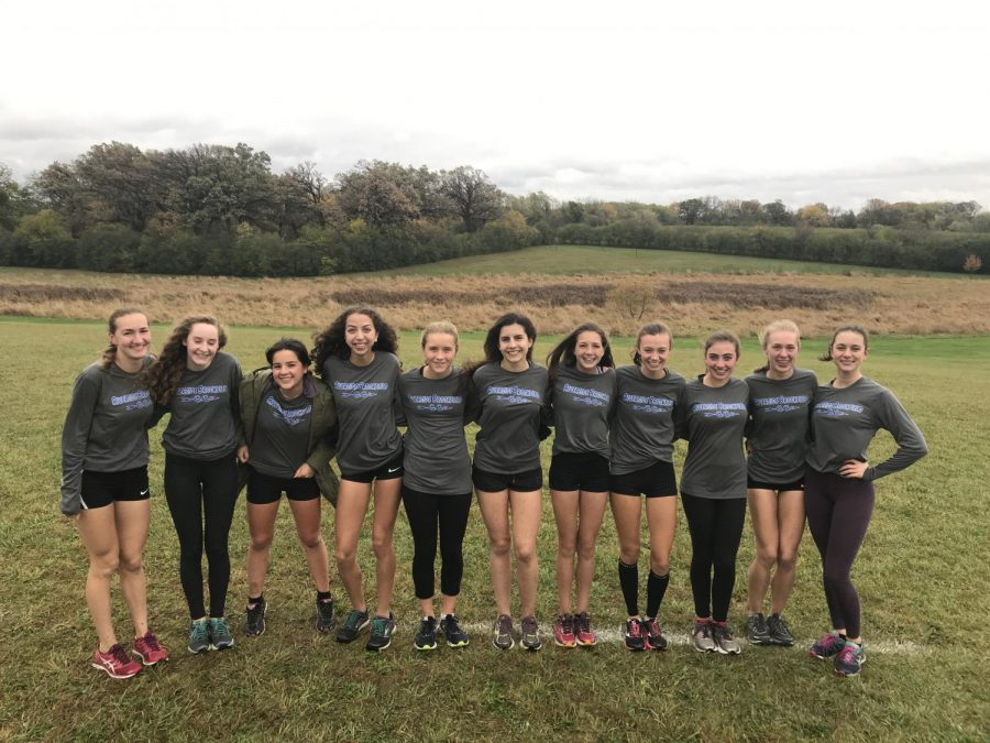 Girls+Cross+Country+takes+a+team+photo+before+Sectionals+