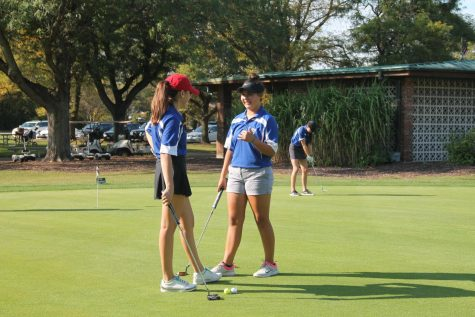 Girls golf team members advance to Sectionals