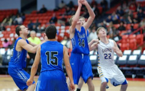 Bulldogs fall late against Lyons