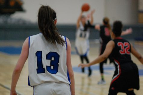 Girls' Basketball ready to ball-up at Regionals