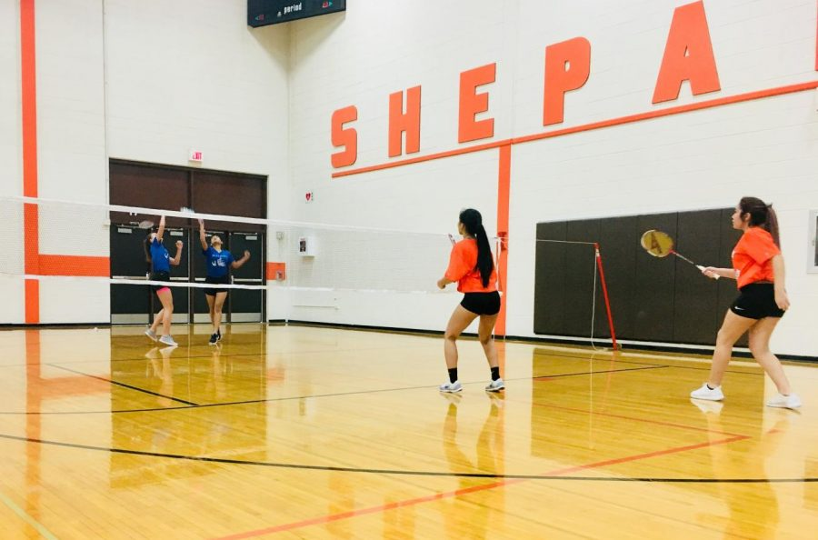 RBHS+freshman+badminton+girls+compete+against+Shepard+High+School.