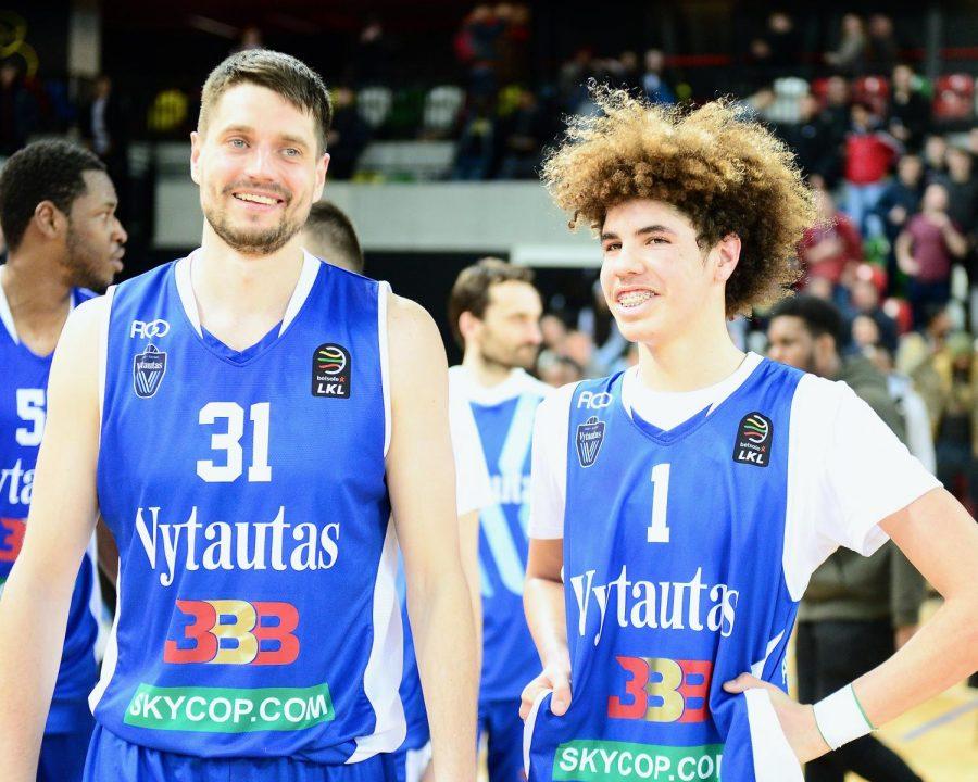 LaMelo Ball and Justas Sinica Vytautas at a game.