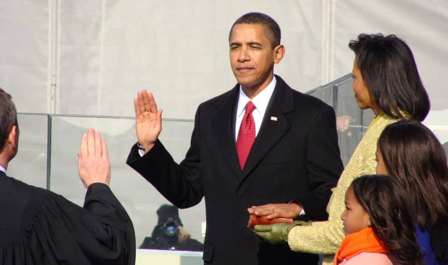 President+Barack+Obama+is+sworn+in+over+a+century-old+Bible+