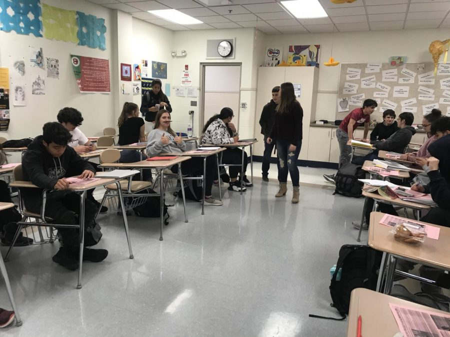 Students learn in an RBHS blended learning classroom