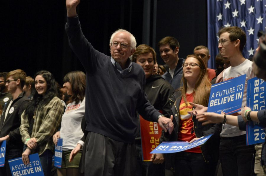 New+Hampshire+primary+winner%2C+Bernie+Sanders+is+pictured+greeting+his+supporters.